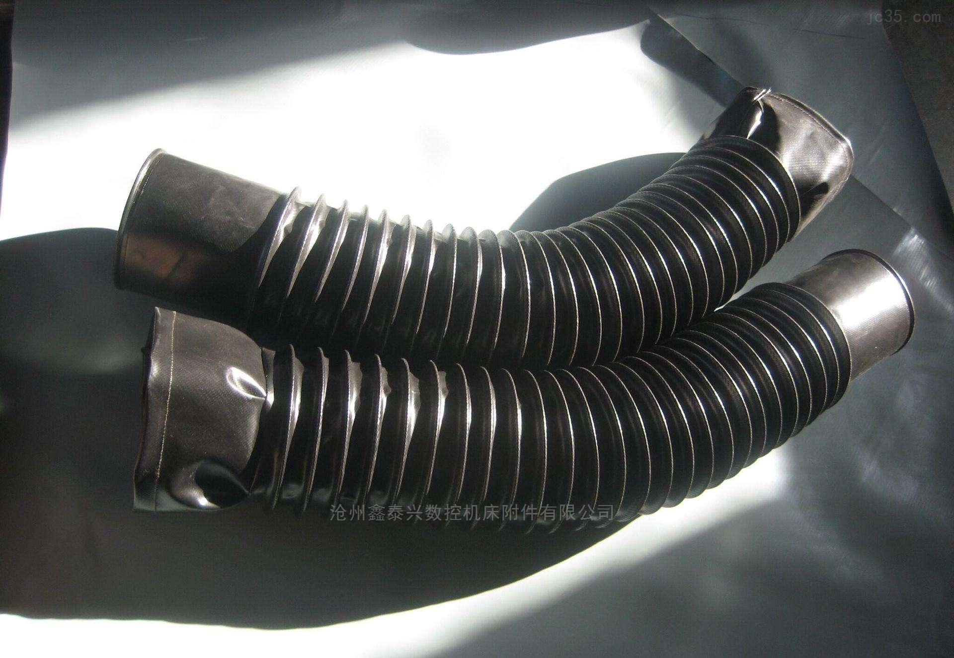 通风连接伸缩式丝杠保护套本产品由尼龙布、绝缘卷材、橡胶附和布、防油布、防水布、阻燃布、耐酸碱布等多种材质可供客户不同需求来量身定做。一般伸缩式保护套的伸长与压缩比值为1000:150,伸缩式保护套产品形状可根据客户要求设计制造,多角型伸缩式保护套,长方形丝杠防护罩,圆筒式伸缩式保护套,也可按用户要求制作比值更大或更小的伸缩式保护套。 通风连接伸缩式丝杠保护套具有防尘、防水、防油、防乳剂和化学**,伸缩式保护套防铁屑、耐拉伸、撞击不变形、耐腐蚀、使用寿命长等特点。 通风连接伸缩式丝杠保护套能够随部件做伸开或