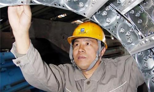 """""""金牌蓝领""""杨高瞻:破解连铸机生产难题100多项,获国家专利46项"""