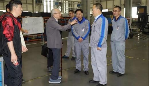原機械工業部副部長沈烈初到重機集團參觀調研