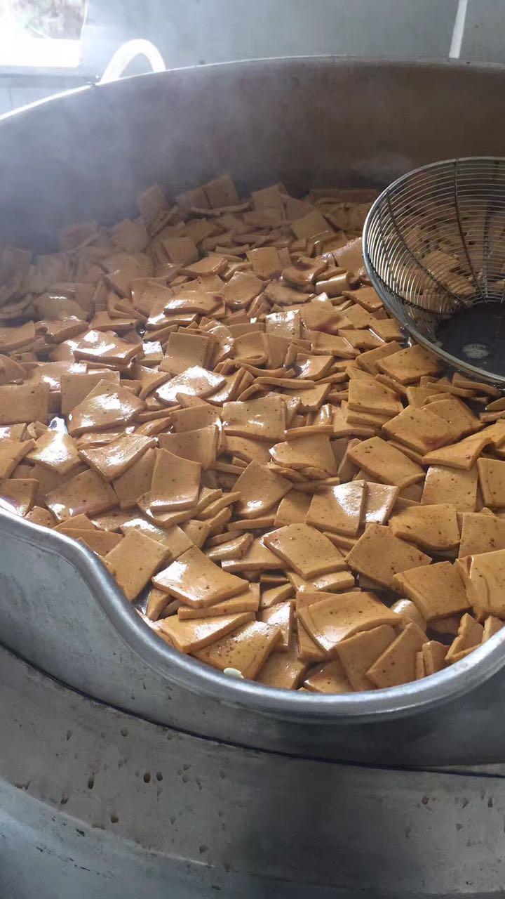 三代千页豆腐切丝机结构设计合理